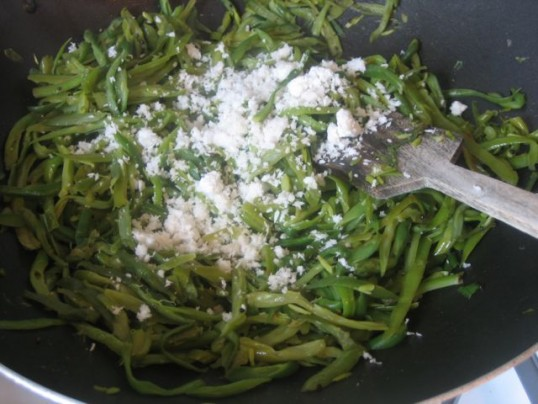 french-style-green-beans-with-coconut-added