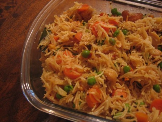 15-minute-indian-chinese-noodles